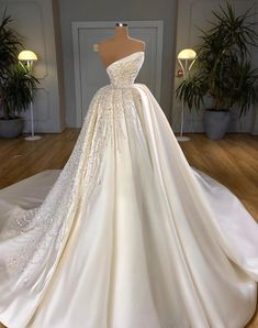 Fancy Wedding Dresses, Weeding Dress, Gorgeous Wedding Dress, Princess Wedding Dresses, Stunning Dresses, Beautiful Gowns, Pretty Dresses, Bridal Dresses, Disney Inspired Wedding Dresses