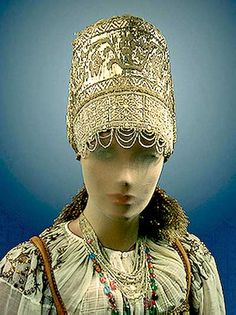 Russian Traditional costume and headdress
