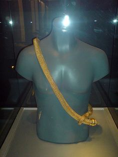 Majapahit and Srivijayan Connection:  Comparable to a sovereign of high status, various rulers of other kingdoms in Southeast Asia (Madjapahit or Srivijaya) would be wearing such golden upavita--the sacred thread. (Pre-Hispanic Philippines | Local and Foreign Issues | Pinoy Exchange)
