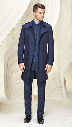 A sharp finish: a tailored outerwear piece will add sartorial flair to any ensemble Herren Outfit, Hugo Boss Man, Modern Man, Cool Outfits, Men's Outfits, Hot Guys, Hot Men, Mens Suits, Winter Fashion
