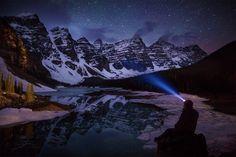 Озеро Морейн ночью, Канада