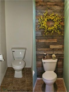 Pallet wall behind toilet - might try this in my bathroom