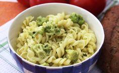 Tejszínes-gombás-brokkolis tészta (Fotó: Europress) Macaroni And Cheese, Ethnic Recipes, Food, Mac And Cheese, Essen, Meals, Yemek, Eten