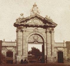 Puerta de Recoletos.