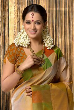 Bhavana latest Picture in silk Saree at Photo Shoot Picture Gallery