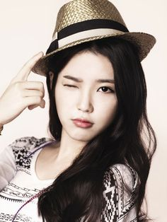 Not only is she a great singer, but she can act too. And she's so adorable! Korean Star, Korean Girl, Lee Min Ho, Iu Twitter, Asian Woman, Asian Girl, Sister Photos, Most Beautiful Faces, Korean Artist