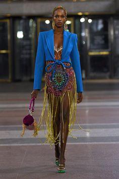 Trendy Beachwear for the Summer - Area Fall 2019 Ready-to-Wear Fashion Show - Flashmode Middle East Black Women Fashion, Bold Fashion, Runway Fashion, Fashion Looks, Fashion Outfits, Womens Fashion, Fashion Trends, Diy Fashion, Cheap Fashion