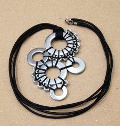 Collar de tuercas y alambre, industrial de Mecanismes_Bcn por DaWanda.com