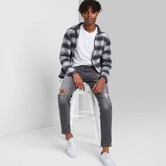 Stylish Mens Outfits, Casual Guy Outfits, Men Casual, Black Men Street Fashion, Men Fashion, Tapered Jeans, Slim Man, Swagg, Jeans Fit