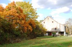 Fall barn at Graeme Park, Horsham, PA #weddingvenues