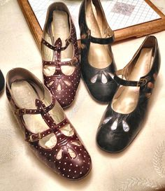 1960's Capezio flats, not like my twin button but still from the 60's..