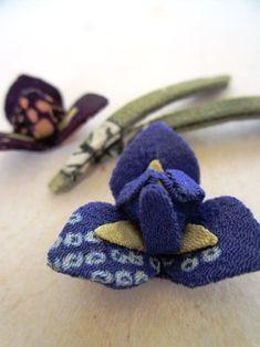 菖蒲 の画像|ちりめん遊び うさぎ Fabric Origami, Leather Pattern, Home Textile, Fabric Flowers, Fabric Crafts, Badge, Textiles, Japanese Style, How To Make