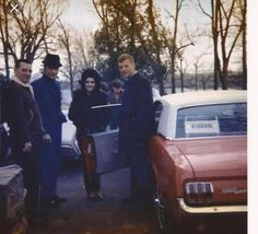 Elvis purchases a new Mustang for his brother-in-law Donald as a graduation gift; pictured are Elvis, Donald, Priscilla, and her step-father, Joe. Rare Elvis Photos, Rare Photos, Elvis And Priscilla, Lisa Marie Presley, Great Love Stories, Love Story, Elvis Presley Family, Graceland Elvis, Memphis Tennessee