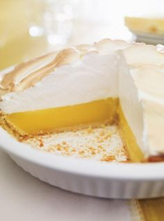 Lemon Pie (the ultimate) Recipes Lemon Desserts, Delicious Desserts, Dessert Recipes, Yummy Food, Food Inspiration, Love Food, Sweet Recipes, Food And Drink, Cooking Recipes