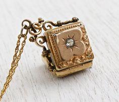 Antique Victorian Rhinestone Locket Necklace ❤•❦•:*´¨`*:•❦•❤