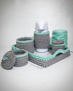 Kit higiene by @pontopetit Cinza e verde água! ❤ Bom dia!! A mil nas últimas encomendas do ano!! #kithigiene #recemnascido #quartomenina #quartomenino #kithigienerecemnascido #babydecor #decoracaoinfantil #decoracaobebe #decoração #decoracaodeinteriores #portaalgodao #portacotonete #cesto #Cestoorganizador #crochet #pontopetit #enxovaldebebe #enxovalmaternidade #enxovalrecemnascido #decoracaoinfantil