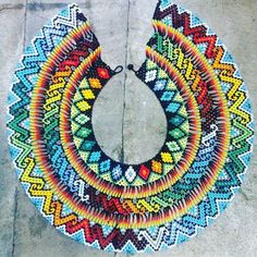 Okama Camino que corre al cuello #embera #indigena @arte_embera #mostacilla #diseño #moda #colores #2016 Seed Bead Jewelry, Seed Beads, Beaded Jewelry, Native Beading Patterns, African Fashion, Women's Accessories, Beach Mat, Crochet Earrings, Outdoor Blanket