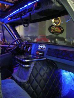 Custom Van Interior, Truck Interior, Jeep Rims, Car Accessories For Guys, Van Accessories, Astro Van, Old School Vans, Vanz, Chevy Muscle Cars