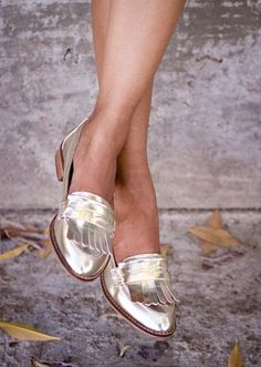 25 Ways to Wear Metallic Flats - gold metallic loafers with fringe | StyleCaster