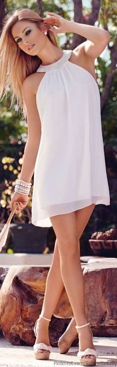 Take a look at the best shoes to wear with white sundress in the photos below and get ideas for your outfits! Cute Dresses, Casual Dresses, Short Dresses, Summer Dresses, Beautiful White Dresses, Little White Dresses, White Fashion, Love Fashion, Glamour