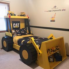 Construction Truck Bed PLANS (in digital format) - For a DIY Construction Themed Room - Kid Bedroom Decor Kate Reidell a ajouté une photo de son achat Kids Room Design, Bed Design, Murphy Bed Plans, Kid Beds, Kids Beds For Boys, Kids Beds Diy, Cool Beds For Boys, Kids Bedroom Boys, Kids Rooms