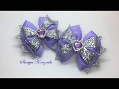 (1147) Бантики из ЭкоКожи и репса / Сиреневые бантики на заколках - YouTube Diy Ribbon Flowers, Ribbon Art, Ribbon Bows, Fabric Flowers, Making Hair Bows, Diy Hair Bows, Diy Bow, Homemade Bows, Bow Template