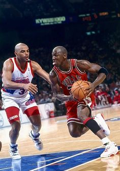 Basketball Pictures, Love And Basketball, Sports Basketball, Sports Pictures, Basketball Players, Basketball Room, Basketball Shirts, Ar Jordan, Michael Jordan Basketball