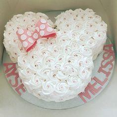 Add twin girls name Ariel Baezil - Rezepte - Kuchen Mini Mouse Cake, Minnie Mouse Birthday Cakes, Minnie Mouse Baby Shower, Mickey Mouse Birthday, Minnie Mouse Party, Baby Birthday, Mouse Parties, Birthday Ideas, Bolo Minnie