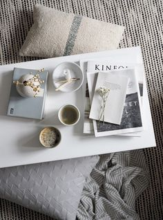 Scandinavian-inspired homeware from independent interior shop Marehalm [AD] - coffee table styling - hygge moments - Scandinavian style - kinfolk magazine - concrete candleholder Scandinavian Interior, Scandinavian Design, Interior Styling, Interior Shop, Interior Design, Cosy Interior, Design Design, Kinfolk Magazine, Interiors Magazine