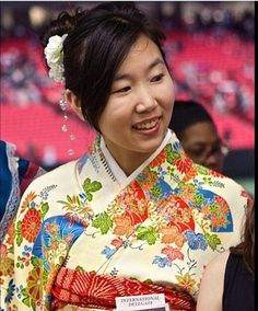 From the Atlanta International Convention. This is such a beautiful sister! She is from Japan & is dressed in her traditional Kimono. ♥•.¸¸.•♥   JW.org has the Bible & bible based study aids to read, watch, listen & download in 300+ (sign included) languages. They also offer free in home bible studies.  All at no charge.