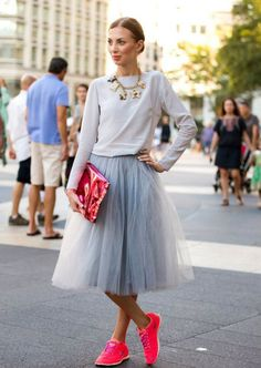 netted-skirt-and-pink-trainers1.jpg (1083×1525)