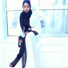 Loveeeeee this Abaaya from @sahrasews ✨