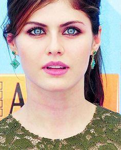 — #alexandradaddario Her face is goals