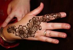 90 Simple And Easy Mehndi Designs For Beginners With Images   Styles At LIfe