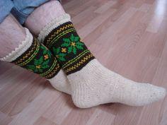 Wool Knit Socks Hunter Latvian Socks Wool by LadyAlinaShop - Super knitting Knitted Boot Cuffs, Knit Boots, Wool Socks, Knit Mittens, Knitting Socks, Mitten Gloves, Hand Knitting, Cultural Patterns, Pumpkin Photos