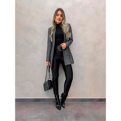 Women S Fashion Sneakers Cheap Key: 3075044045 Looks Chic, Casual Looks, Basic Style, Elegantes Outfit Frau, Black Women Fashion, Womens Fashion, Chic Outfits, Fashion Outfits, Look Office