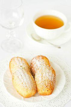 Passion fruit madeleines