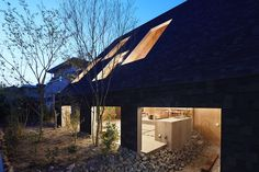 Completed in 2016 in Anjo, Japan. Images by Toshiyuki Yano. Dinner in the open air, bath time at the open air bath, Sleeping in an open air hammoc... The experience in the outdoor environment can make our...