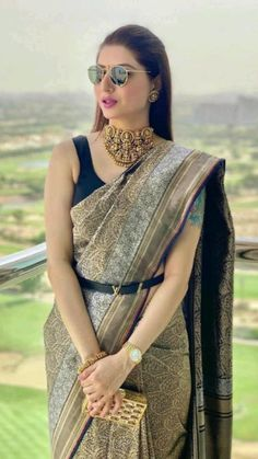 Party Wear Indian Dresses, Indian Bridal Outfits, Indian Bridal Fashion, Dress Indian Style, Indian Fashion Dresses, Indian Designer Outfits, Saree Fashion, Ethnic Fashion, Trendy Sarees