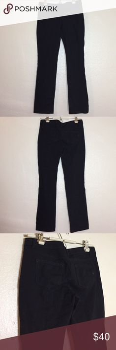 💫WHBM Black Slim Leg Dress Pants White House Black Market black slim leg dress pants. Professional looking. Have some stretch to them. Some picking/fuzz balls from the dryer. These can be removed. Price reflects. Used and in good condition! White House Black Market Pants Skinny
