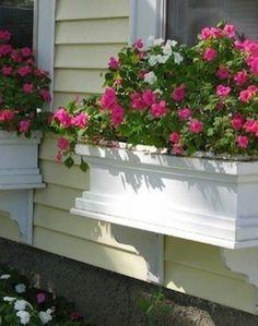 I love this look for a window box... Make a Window Box - 30 Days of Easy Summer DIY - Bob Vila