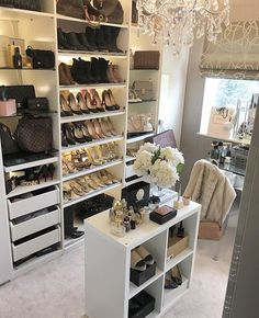 Ideas Glam Closet Decor For 2019 Walk In Closet Small, Walk In Closet Design, Small Closets, Dream Closets, Closet Designs, Small Bedrooms, Glam Closet, Closet Vanity, Luxury Closet