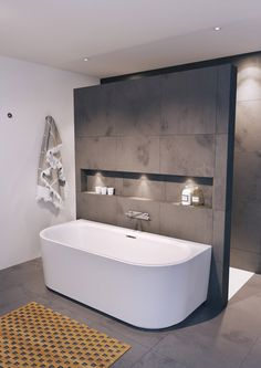 A free-standing bath fits in every bathroom Mineralquelle bathroom A eve .- Eine freistehende Wanne passt in jedes Badezimmer Mineralquelle bathroom A eve… A free-standing bath fits in every bathroom … - Minimalist Bathroom Design, Bathroom Interior Design, Bathroom Designs, Interior Ideas, Interior Modern, Bathroom Design Layout, Natural Interior, Classic Interior, Bathroom Styling