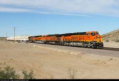 RailPictures.Net Photo: BNSF 7184 BNSF Railway GE ES44C4 at Klinefelter, California by Matthew Griffin