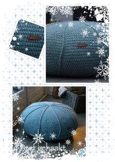 Poef met ribbels gehaakt volgens patroon van http://www.jipbyjan.nl/portfolio/tutorial-krukhoesje-of-poef-met-ribbel-haken/ gemaakt met Royal wol van Zeeman, dubbele draad 6 bollen, haaknaald 5. Binnenkussen rond 70 Cm besteld zoals omschreven in bovenstaande site