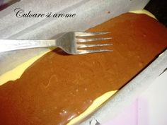 Chec pufos – Culoare si Arome Romanian Food, Romanian Recipes, Deserts, Baking, Tableware, Kitchen, Millefeuille Recipe, Recipes, Dinnerware