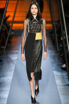 roland mouret aw 14/15 http://www.vogue.co.uk/fashion/autumn-winter-2014/ready-to-wear/roland-mouret/full-length-photos/gallery/1140523