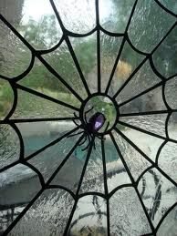 jeweled spider in web window design, would like one of these in our bathtomb. - Pinned by The Mystic's Emporium on Etsy Stained Glass Art, Stained Glass Windows, Mosaic Glass, Leaded Glass, Casa Halloween, Halloween Nails, Halloween Designs, Homemade Halloween, Halloween Halloween