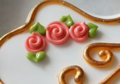 how to make Royal Icing Swirl Roses