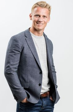 Meet the Aussie who has become Britain's favourite TV vet, Dr Scott Miller British Passport, Big Brother House, Blue Peter, It Takes Two, Tv Presenters, Britain, Suit Jacket, Blazer, Singers